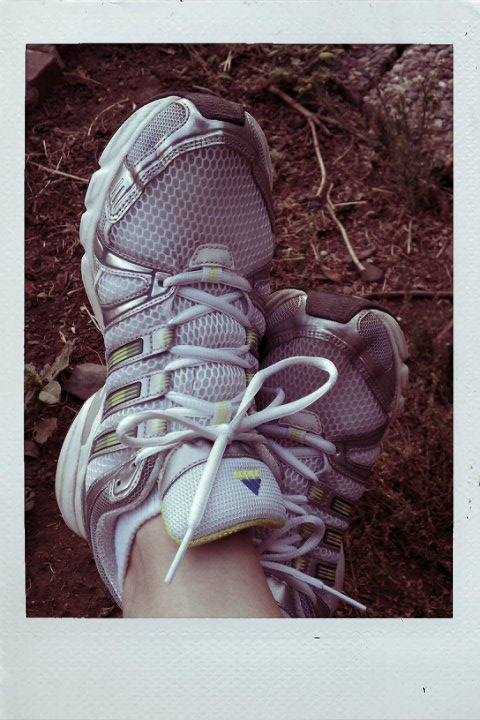 RUNNING SHOES 09-11